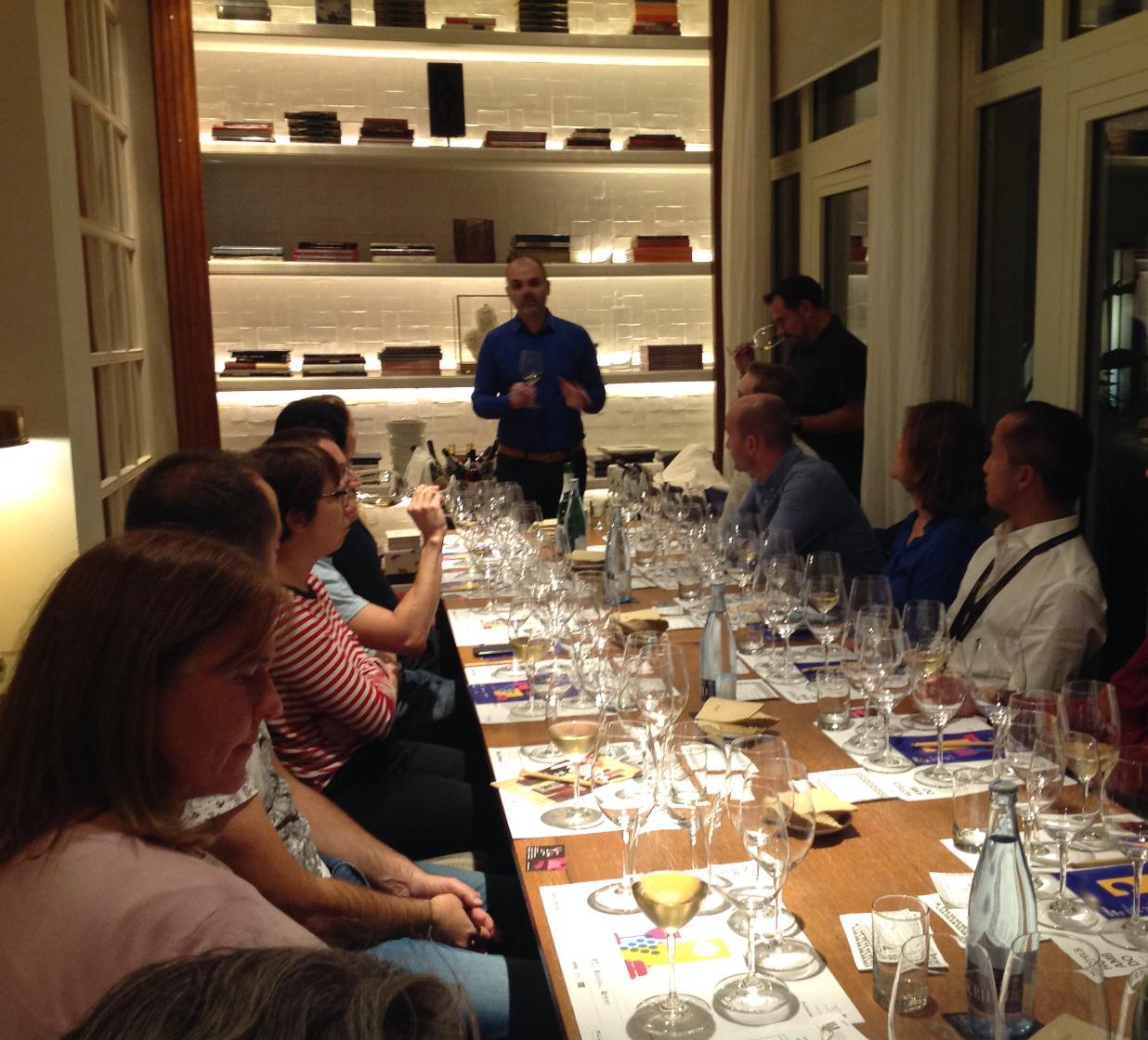 Poniendo a prueba los sentidos catando vinos ecológicos